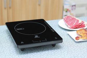 Bếp từ buffet đơn CF1800 - Hotline đặt hàng: 0987.940.752