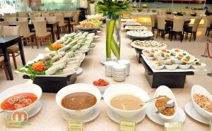 Tiệc buffet nhà hàng khách sạn