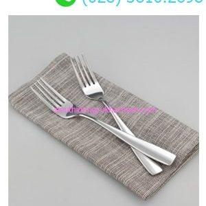 Nĩa ăn chính nhà hàng
