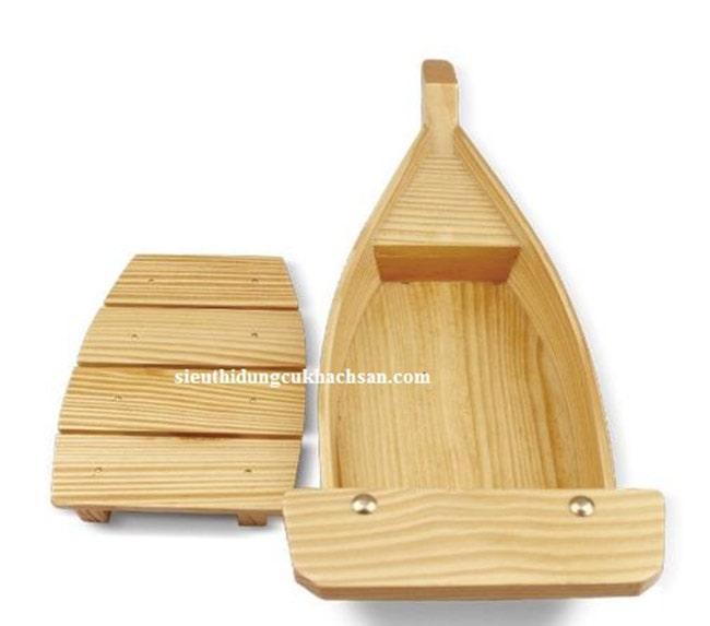 Các bộ phận của thuyền gỗ trưng bày buffet