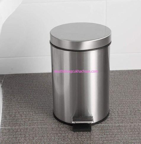 Lựa chọn thùng rác inox sao cho phù hợp không gian