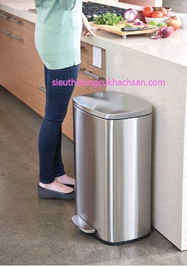 Thùng rác inox đạp chân nhà bếp