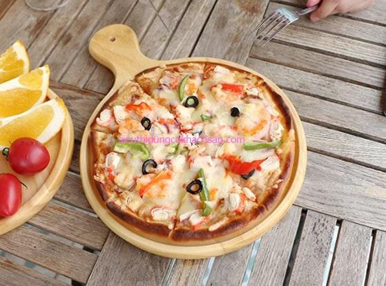 Khay gỗ tròn trưng bày bánh