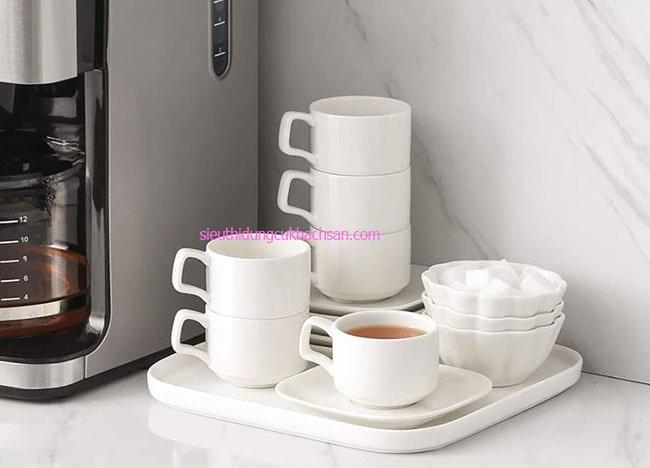 Tách trà sứ màu trắng